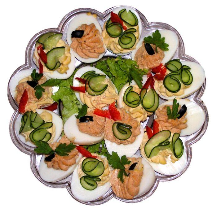 Ile-Polacy-zjada-kalorii-na-Wielkanoc